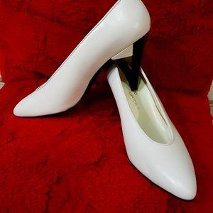 New Sacha London Women's Heels Sz 7.5 B
